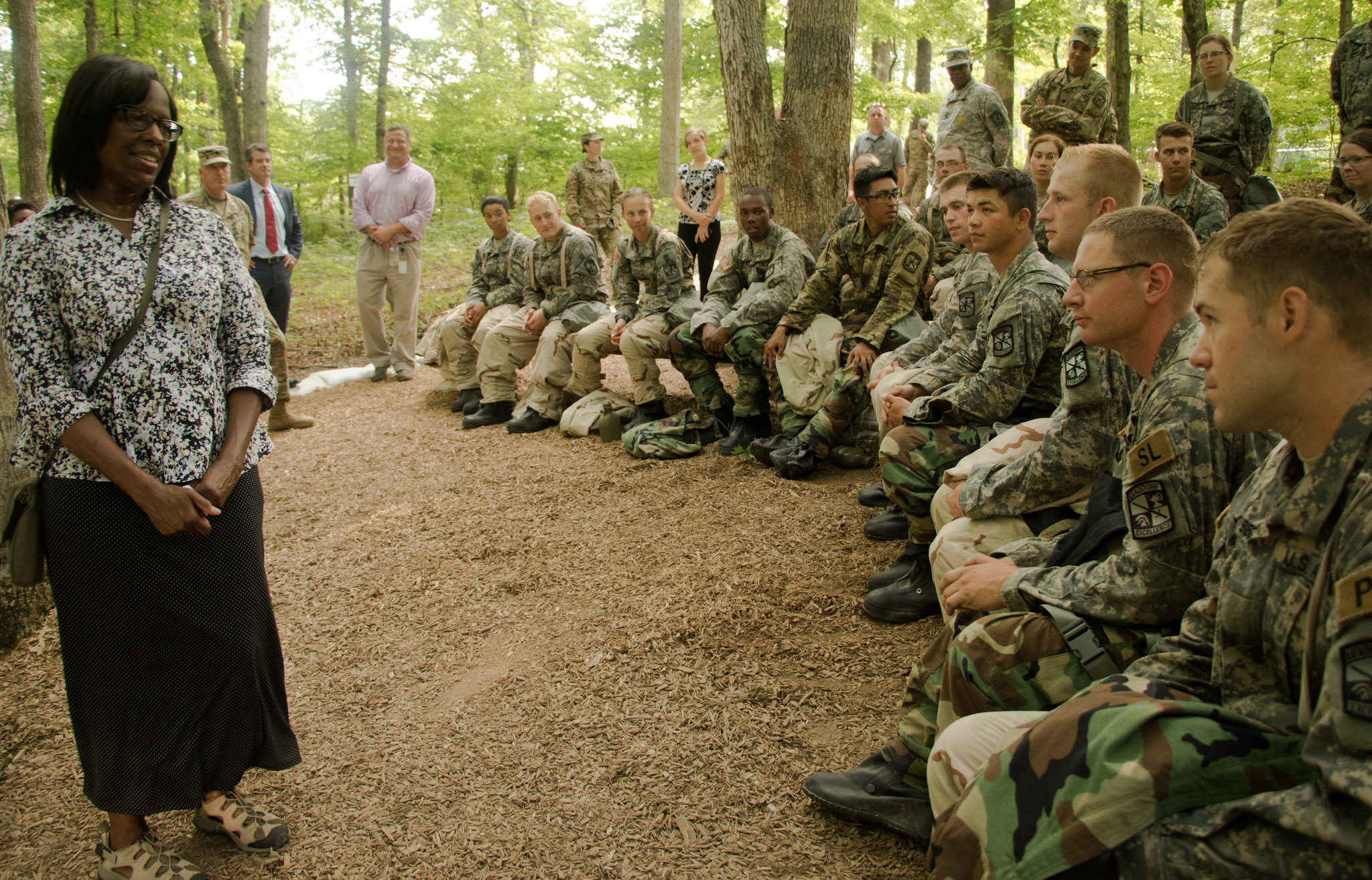 Lieutenant Governor visits Cadet Summer Training