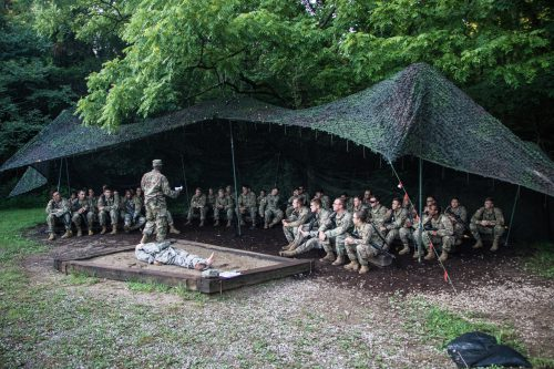 Cadets from 10th Regiment, Advanced Camp Learn First Aid